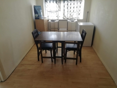 Spacious two double bedroom 2nd floor fl